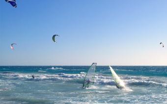 Doskonałe warunki na wind- i kitesurfing